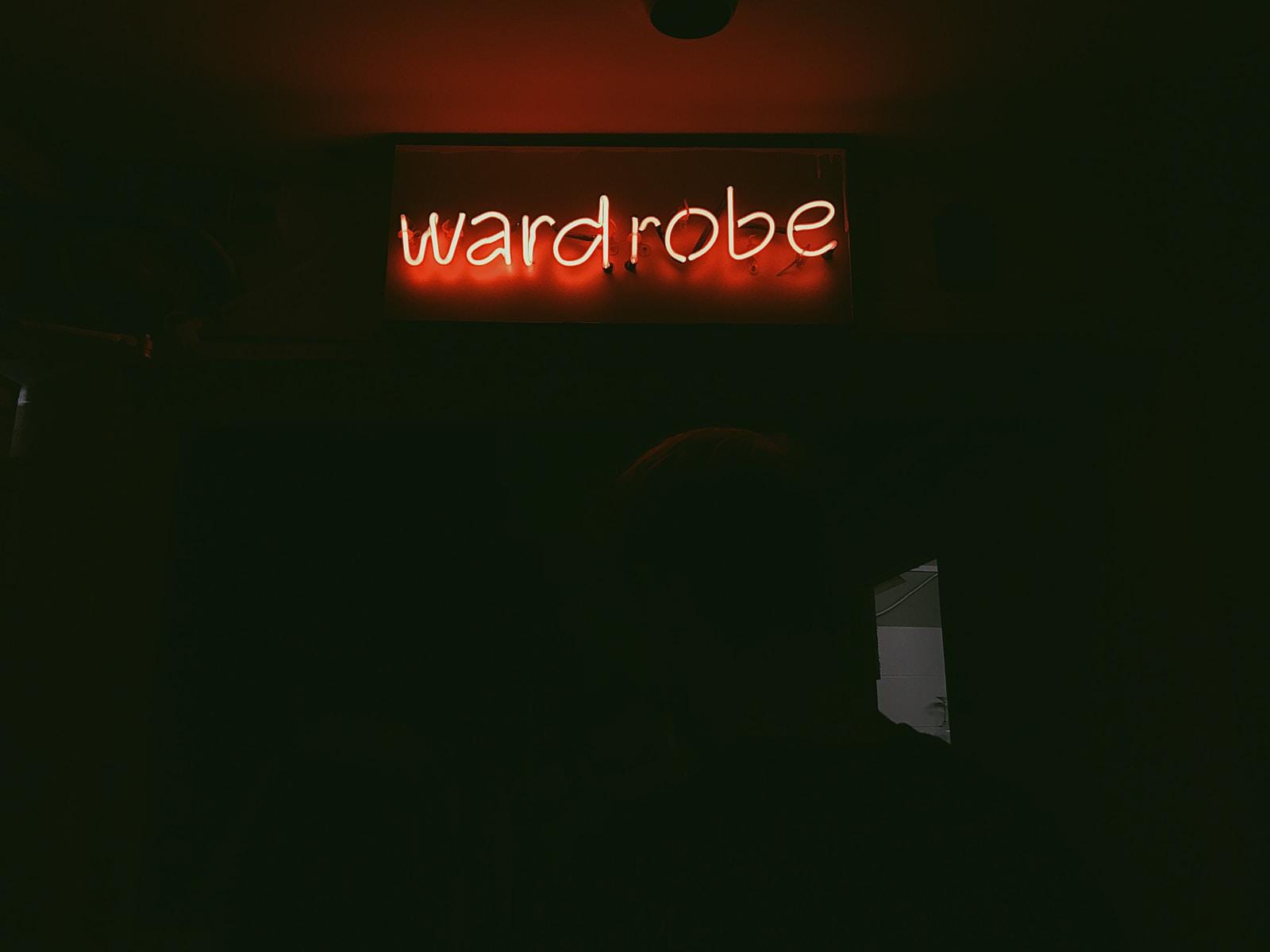 wardrobe neon gisn